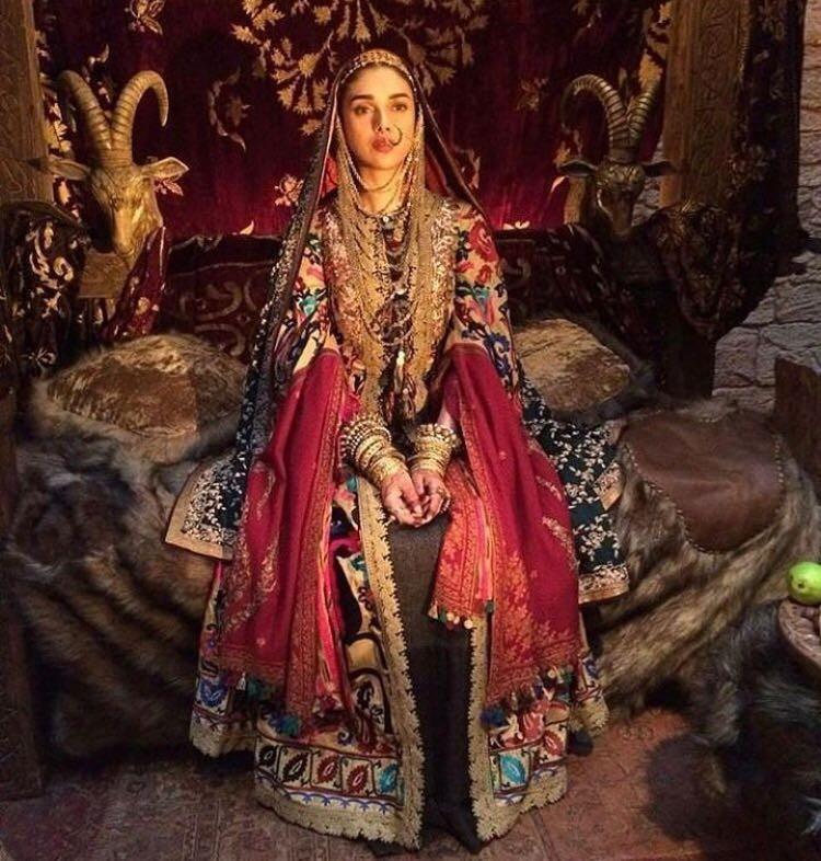 Padmaavat,Aditi Rao Hydari,actress Aditi Rao Hydari,Aditi Rao Hydari as Mehrunisa,Mehrunisa,Alauddin Khalji wife Mehrunisa,Alauddin Khalji,Alauddin Khalji wife