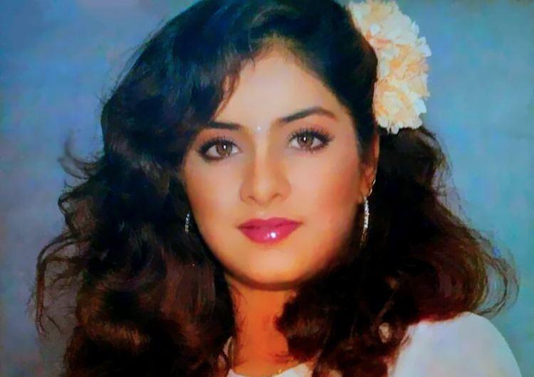 Sridevi,Madhubala,Jiah Khan,Meena Kumari,Smita Patil,Pratyusha Banerjee,died at young age