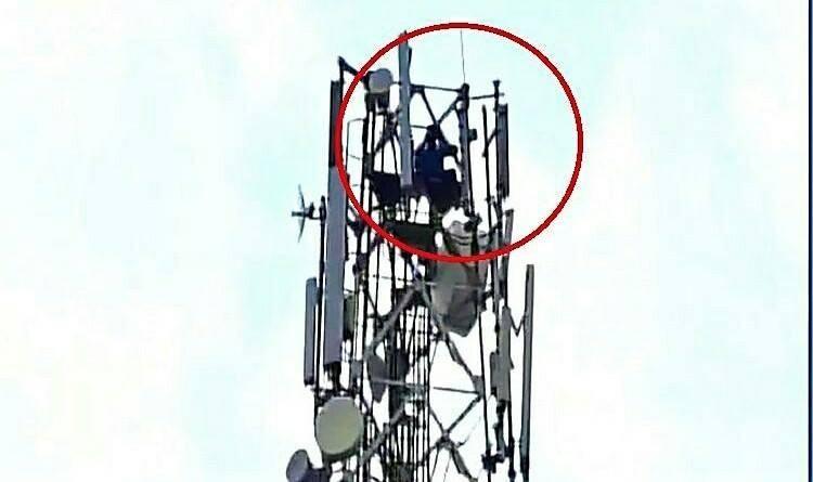 Man climbs tower-Telengana