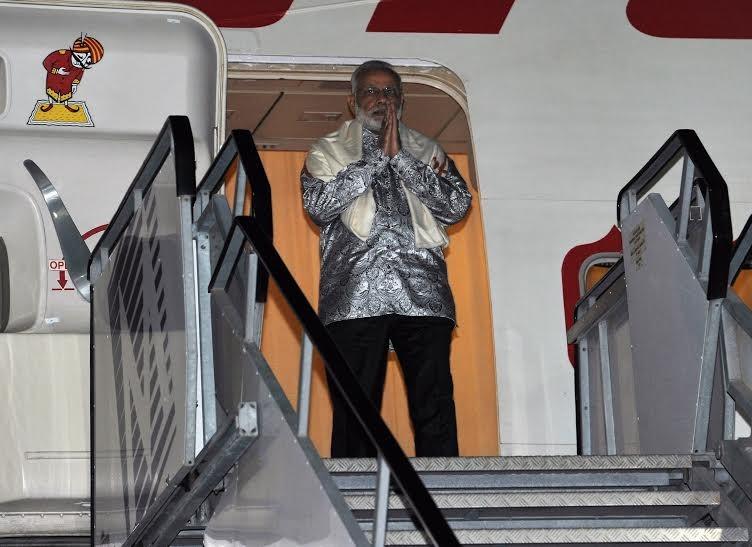 Narendra Modi,Narendra Modi arrives Durban,Modi arrives Durban,Prime Minister Narendra Modi,Narendra Modi on Africa tour,Modi on Africa tour