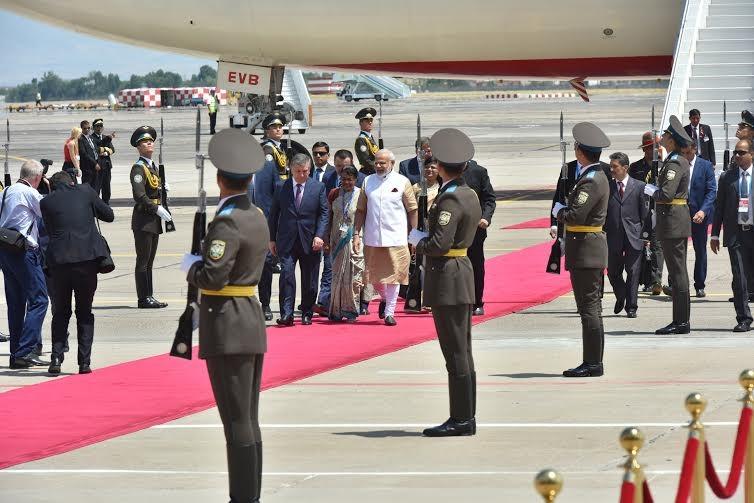 Narendra Modi,Modi,PM Modi,Narendra Modi arrives in Tashkent for SCO summit,SCO summit,Shanghai Cooperation Organisation,Uzbekistan capital
