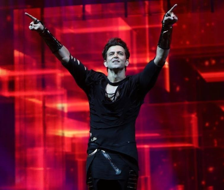 Hrithik Roshan,Hrithik Roshan at IIFA,Hrithik Roshan dance,Hrithik Roshan dance in IIFA,Hrithik Roshan dance at IIFA,Hrithik Roshan IIFA performance,Hrithik Roshan pics,Hrithik Roshan images,Hrithik Roshan photos,Hrithik Roshan stills,Hrithik Roshan pictu