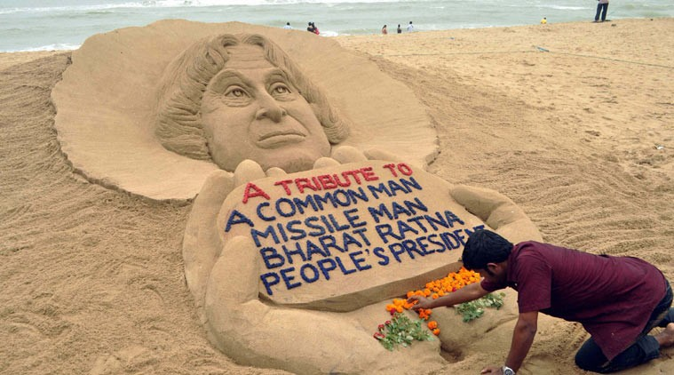 Sand artist Sudarsan Pattnaik pays tribute to APJ Abdul Kalam,Sand artist Sudarsan Pattnaik,Sand art,Sand artist,Sudarsan Pattnaik pays tribute to APJ Abdul Kalam,tribute to APJ Abdul Kalam,Abdul Kalam sand art