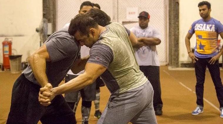 Salman Khan,Salman Khan in Sultan,Salman Khan starts training for Sultan,Sultan,bollywood movie Sultan,Salman Khan wrestling