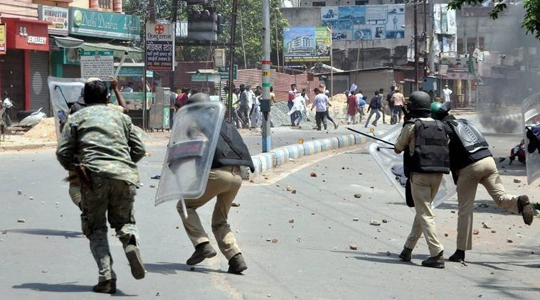 Clash between police and Muslim protesters in Jharkhand
