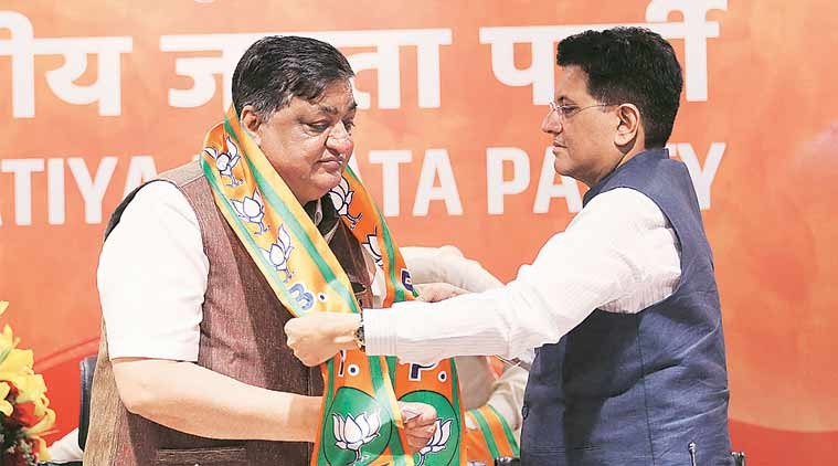 Piyush Goyal welcomes Naresh Agarwal in to the BJP