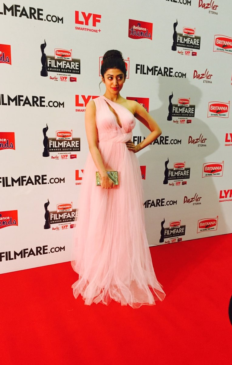 Filmfare Awards 2016,Filmfare Awards,Pranitha Subhash,Akhil Akkineni,Amy Jackson,Sai Pallavi,Filmfare Awards pics,Filmfare Awards images,Filmfare Awards photos,Filmfare Awards stills,Filmfare Awards pictures