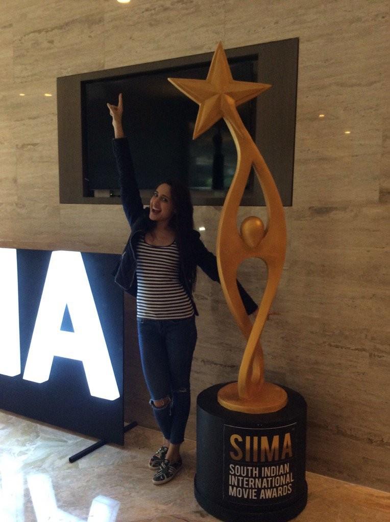SIIMA Awards,SIIMA Awards 2016,SIIMA Awards 2016 live,SIIMA Awards winners,Anirudh Ravichander,Pranitha Subhash,Hansika Motwani,Khush Sundar,Vedhika,Shruti Sodhi,Pragya Jaiswal,Shubra Aiyappa,Sayyeshaa,Amyra Dastur,Devi Sri Prasad,Ali,Usha Uthup,SIIMA Awa