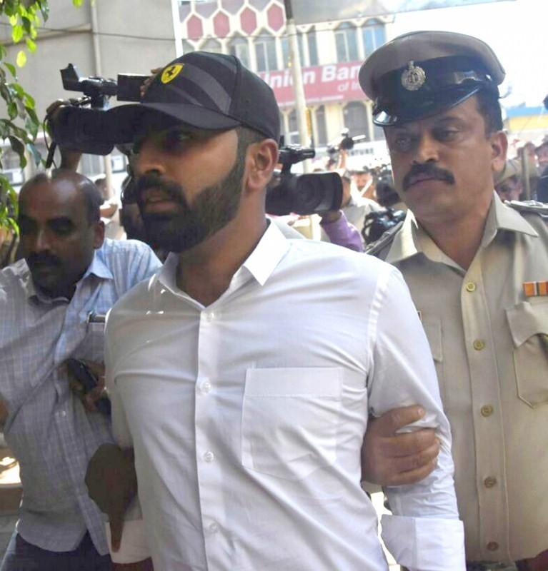 Karnataka legislator,N.A. Haris,N.A. Haris son,Mohammed Nalapad,assault case