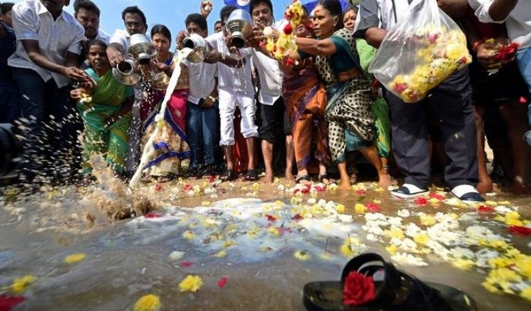 2004 Tsunami Victims,2004 Tsunami,Tsunami Victims,Tsunami,homage to Tsunami Victims