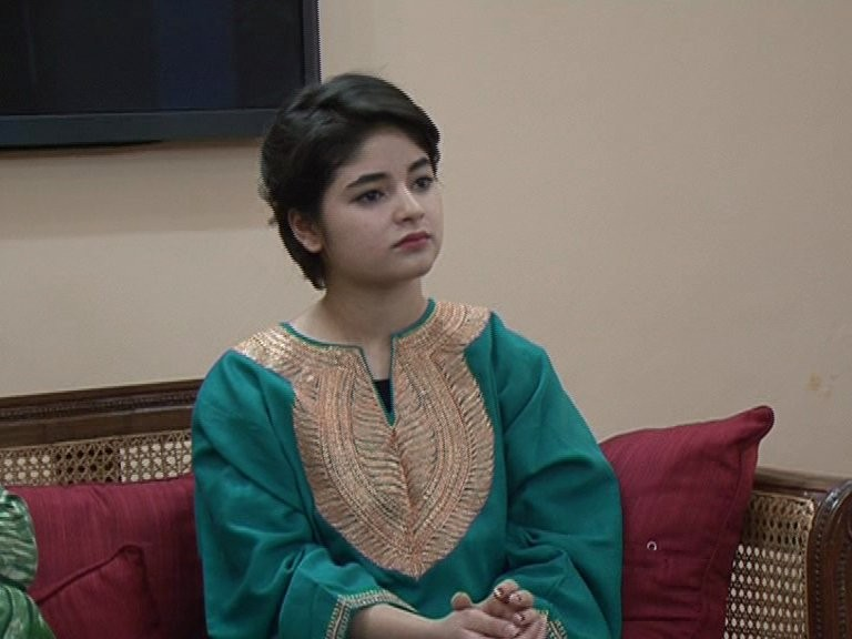 Dangal actress Zaira Wasim Khan,Zaira Wasim Khan,Dangal actress,Dangal,Dangal actress Zaira Wasim threatened,Dangal actress Zaira Wasim twitter,J&K Chief Minister Mehbooba Mufti,Mehbooba Mufti