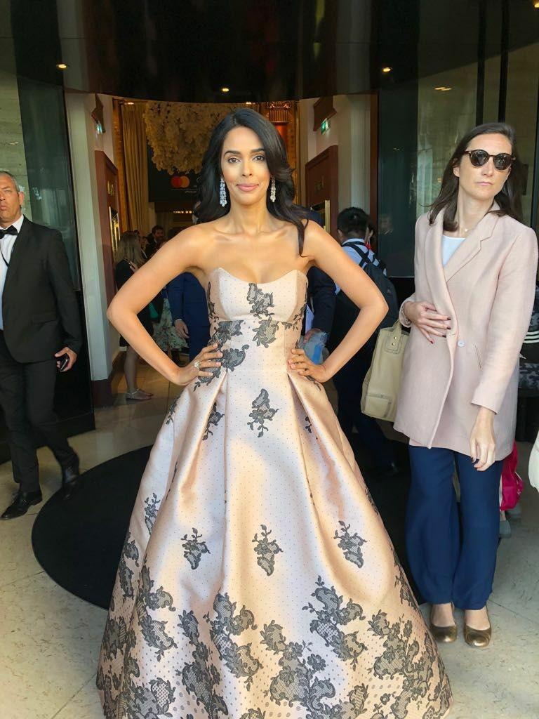 Mallika Sherawat,actress Mallika Sherawat,Mallika Sherawat  at Cannes,Mallika Sherawat Cannes,Mallika Sherawat Cannes pics,Mallika Sherawat Cannes images