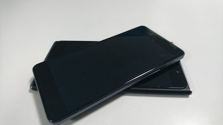 OnePlus X vs Obi Worldphone SF1