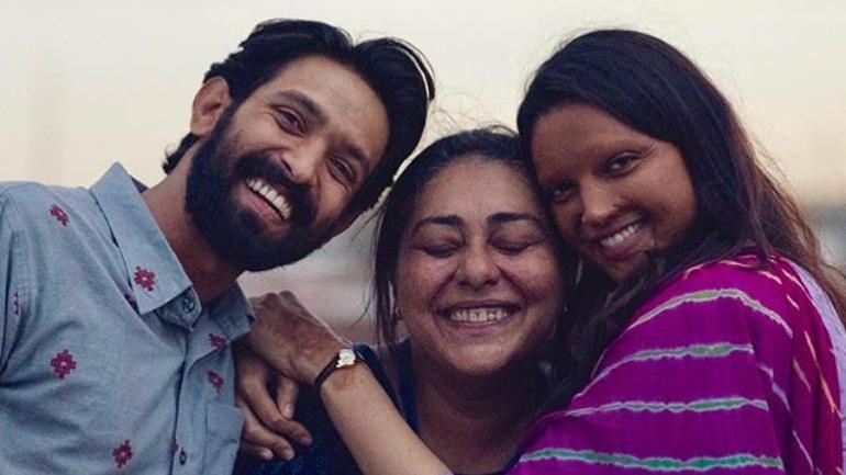 Vikrant Massey with Meghna Gulzar and Deepika Padukone