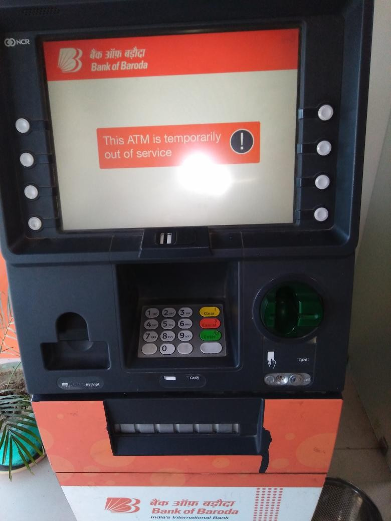 Rs 500,Rs 1,000,Rs 500 banned,Rs 1,000 banned,Customers complain No Cash in ATMs,No Cash in ATMs,No Cash