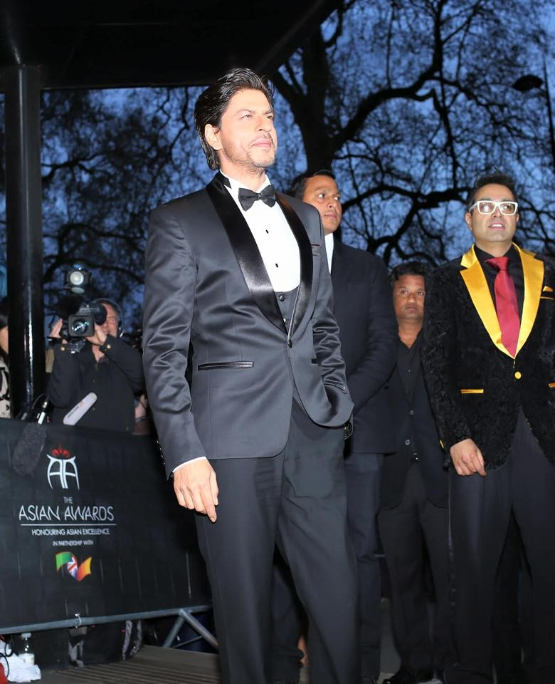 Shah Rukh Khan Wins Outstanding Contribution To Cinema At The Asian Awards,Shah Rukh Khan,srk,The Asian Awards,Shah Rukh Khan Wins The Asian Awards,Shah Rukh Khan pics,Shah Rukh Khan latest pics,Shah Rukh Khan images,Shah Rukh Khan awards,srk pics,Shah Ru