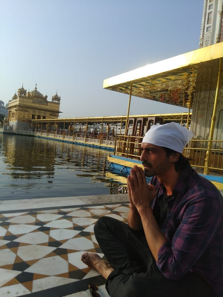 Sonu Sood & Arjun Rampal,Sonu Sood,Arjun Rampal,Golden Temple,Team Paltan at Golden Temple