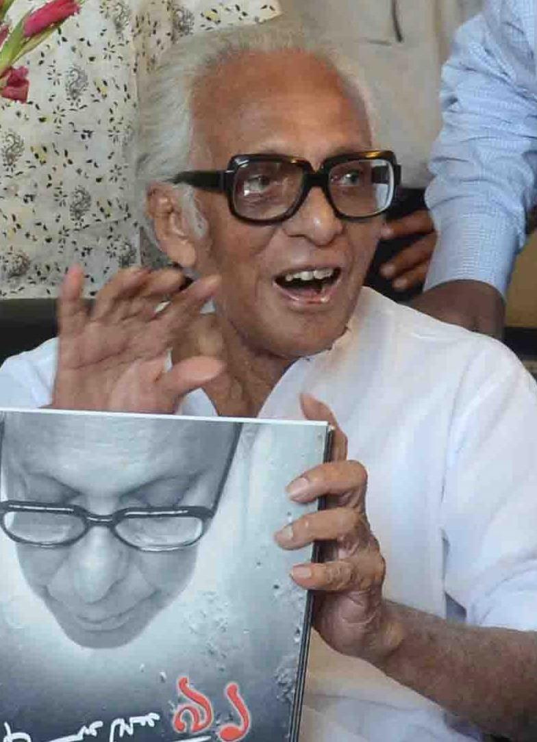 Mrinal Sen,mrinal sen death,mrinal sen died,mrinal sen passed away,Satyajit Ray,Ritwik Ghatak,Indian President,bengali,Bengali filmmaker