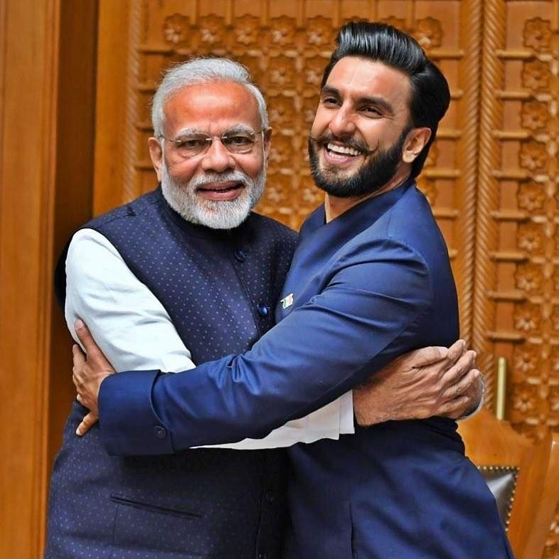 Narendra Modi,Narendra Modi BJP,bollywood,Bollywood Delhi,Narendra Modi Bollywood,Ranveer Singh,Ranveer Singh Narendra Modi,Varun Dhawan,Karan Johar