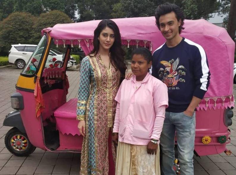 Loveratri stars,Loveratri,Aayush Sharma and Warina Hussain,Aayush Sharma,Warina Hussain,MS Dhoni,Loveratri promotion,Loveratri movie promotion