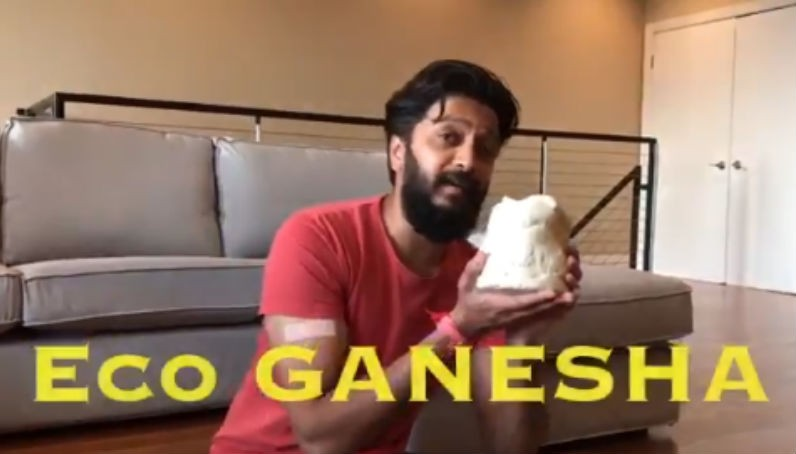 Riteish Deshmukh,actor Riteish Deshmukh,Riteish Deshmukh makes eco-friendly Ganesha idol,eco-friendly Ganesha idol