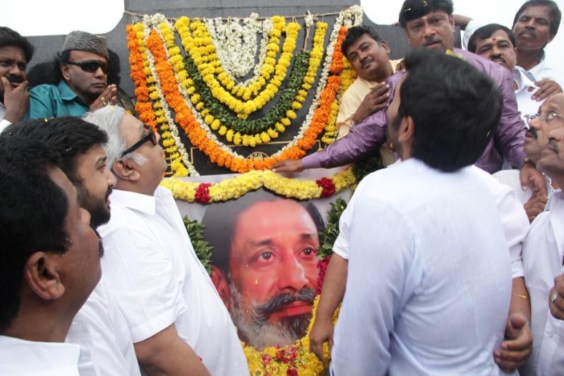 Prabhu,Vikram Prabhu,Shivaji statue,Shivaji,Shivaji birthday,Shivaji birthday celebration,Shivaji birthday pics