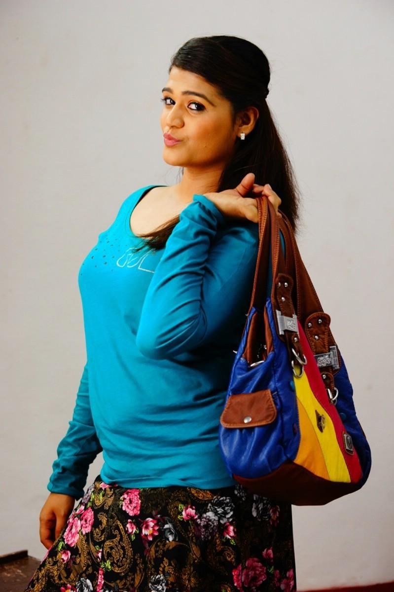 Nerukkam,tamil movie Nerukkam,Nerukkam movie pics,Ashwini Karthik,Vidarsha Chaurasia,Sana,tamil movie pics,tamil movie stills