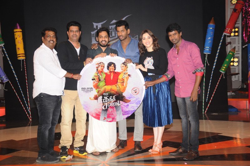 Vishal,Tamannaah,Kathi Sandai audio launch,Kathi Sandai audio,Kathi Sandai music,Kathi Sandai music launch,Kathi Sandai audio launch pics,Kathi Sandai audio launch images,Kathi Sandai audio launch photos,Kathi Sandai audio launch stills,Kathi Sandai audio