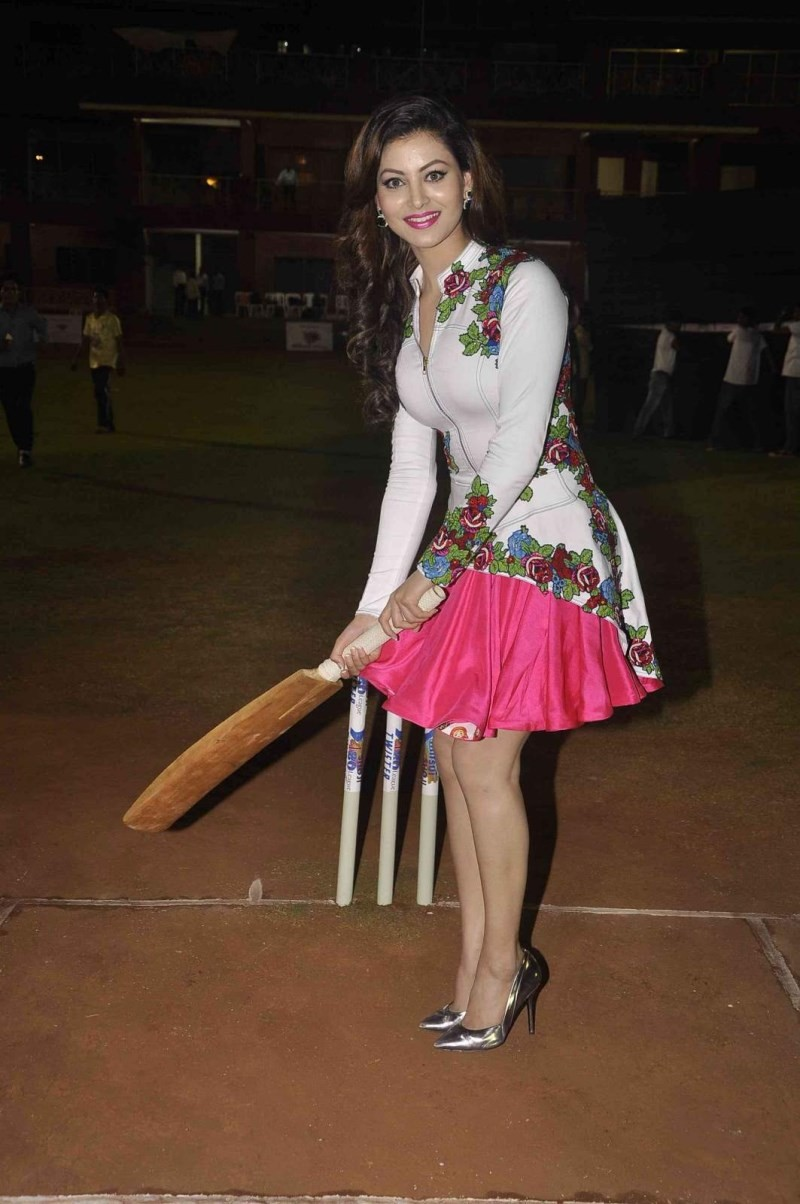 Mitsui Shoji T20 Cricket League 2015,Cricket League 2015,T20 Cricket League,Urvashi Rautela,actress Urvashi Rautela,Urvashi Rautela pics,Urvashi Rautela images,Urvashi Rautela photos,T20 Cricket