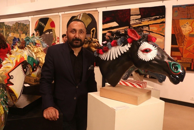 Arzan Khambatta,Rahul Bose,Breaking Barriers,Twinkle Khanna,Manisha Koirala,art exhibition,Art,Art In Mumbai