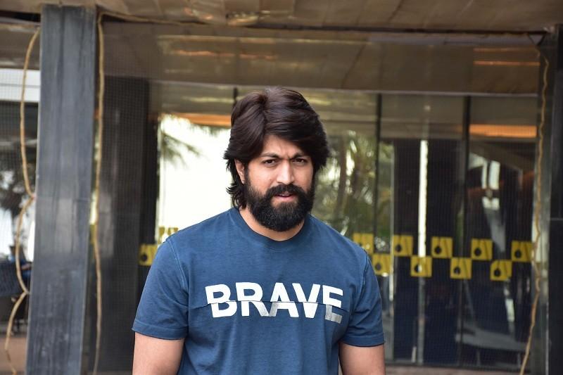 Yash,Superstar Yash,rocking star yash,kgf,kgf trailer,KGF release date,KGF hindi version release,kgf movie,kgf teaser