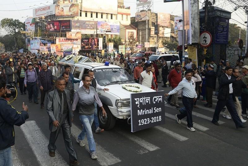 Mrinal Sen,mrinal sen death,mrinal sen died,mrinal sen passed away,Kolkata,Best Director,Best Indian Directors,Bengali Director,Satyajit Ray