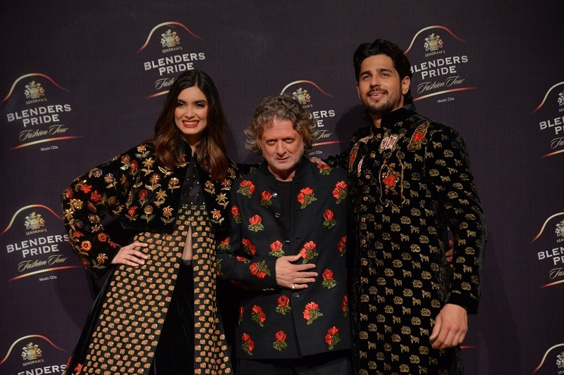 Sidharth Malhotra,Sidharth Malhotra fashion,diana penty,Diana Penty fashion,Diana Penty model,Rohit Bal,Rohit Bal fashion designer,who is Rohit Bal,Blender's Pride Fashion,Rohit Bal 2019