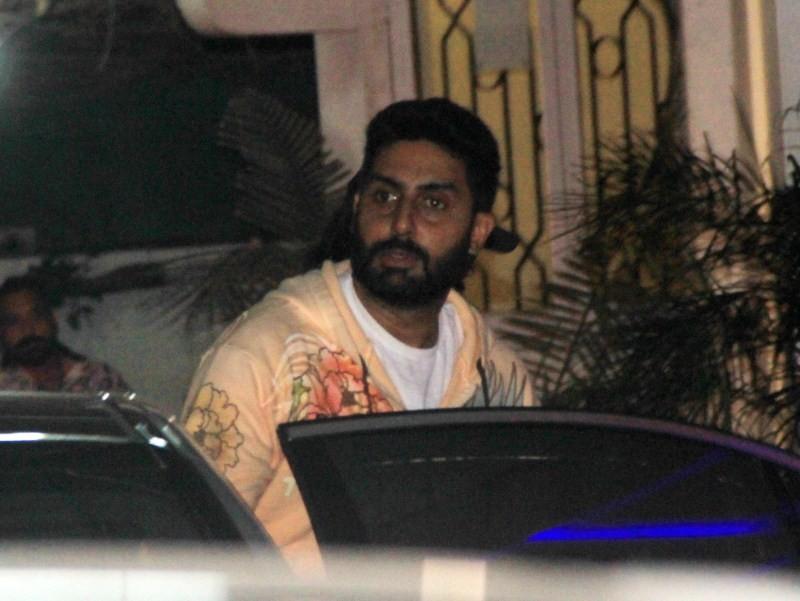 Aishwarya Rai and Abhishek Bachchan watches PIKU,Aishwarya Rai,actress Aishwarya Rai,Aishwarya Rai pics,Abhishek Bachchan,actor Abhishek Bachchan,Aishwarya Rai and Abhishek Bachchan,Aishwarya Rai watches PIKU movie,Abhishek Bachchan watches PIKU movie,Ais
