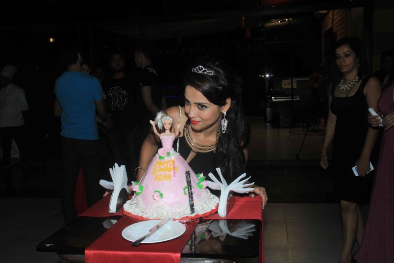 Aadha Khan Birthday Bash,Aadha Khan,Aadha Khan birthday celebration,Ankit Gera,Pratyusha Banerjee,Makrand Malhotra,Makrand,birthday celebration,birthday party,birthday pics,birthday images,birthday photos