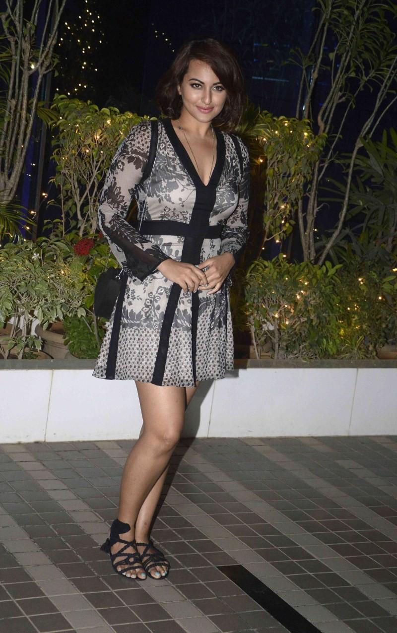 Sonakshi Sinha at Mary Kom Success Bash