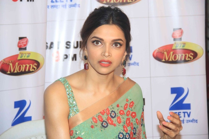 Deepika Padukone Promotes PIKU,Deepika Padukone,actress Deepika Padukone,Deepika Padukone Promotes PIKU at Zee TV DID Super Moms,Dance India Dance Super Moms,Actress Deepika Padukone,DID Supermom 2,Zee TV,dance reality show