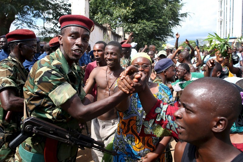 Crowds cheer as Burundi army officer says he has deposed absent president,Burundi Coup,President Nkurunziza,Nkurunziza,Burundi coup attempt