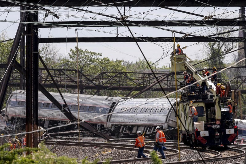Amtrak Crash,Amtrak train Crash,train Crash,train accident,train crash in Philadelphia,Philadelphia,Brandon Bostian,Amtrak train,Amtrak train accident,amtrak train crash today,amtrak auto train,amtrak train wreck,amtrak train tracker crack