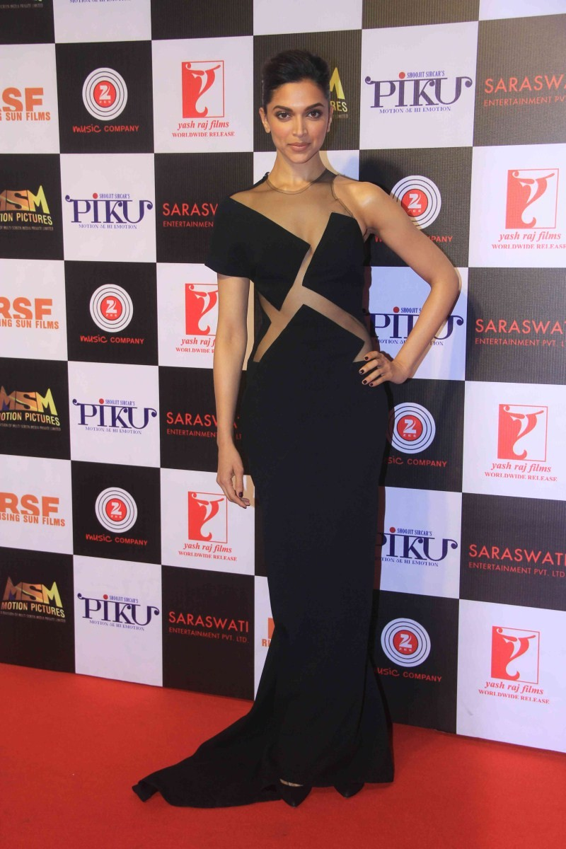 Deepika Padukone's Black Avatar at Piku Success Party,Deepika Padukone at Piku Success Party,Deepika Padukone,actress Deepika Padukone,Deepika Padukone in black dress,hot Deepika Padukone,Deepika Padukone hot pics,Deepika Padukone piku,Deepika Padukone pi