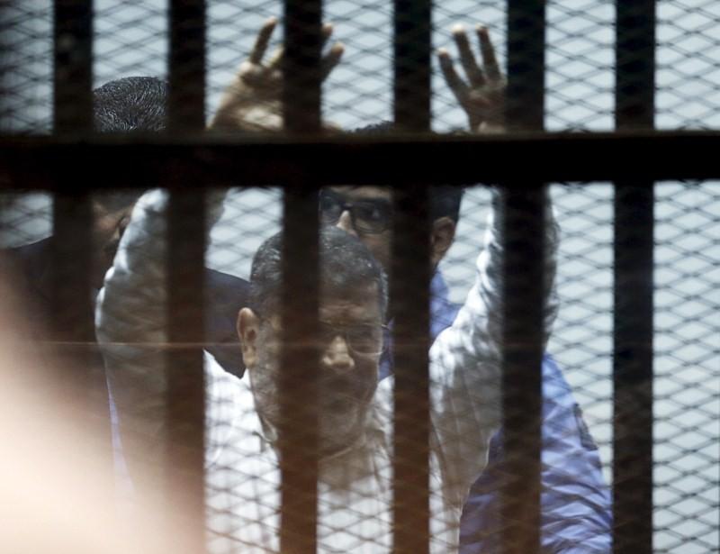 Egypt sentences Mohamed Morsi to death