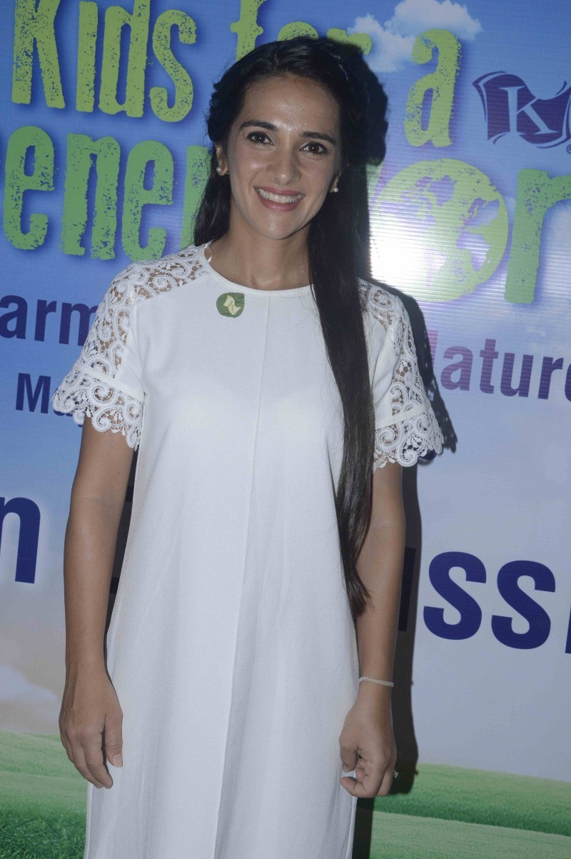 Tara Sharma discussion on Greener World Campaign,Greener World Campaign,Tara Sharma,Tara Sharma pics,Tara Sharma images,Tara Sharma photos,Tara Sharma stills,Tara Sharma pictures,Tara Sharma latest pics,Tara Sharma latest stills,Tara Sharma latest photos