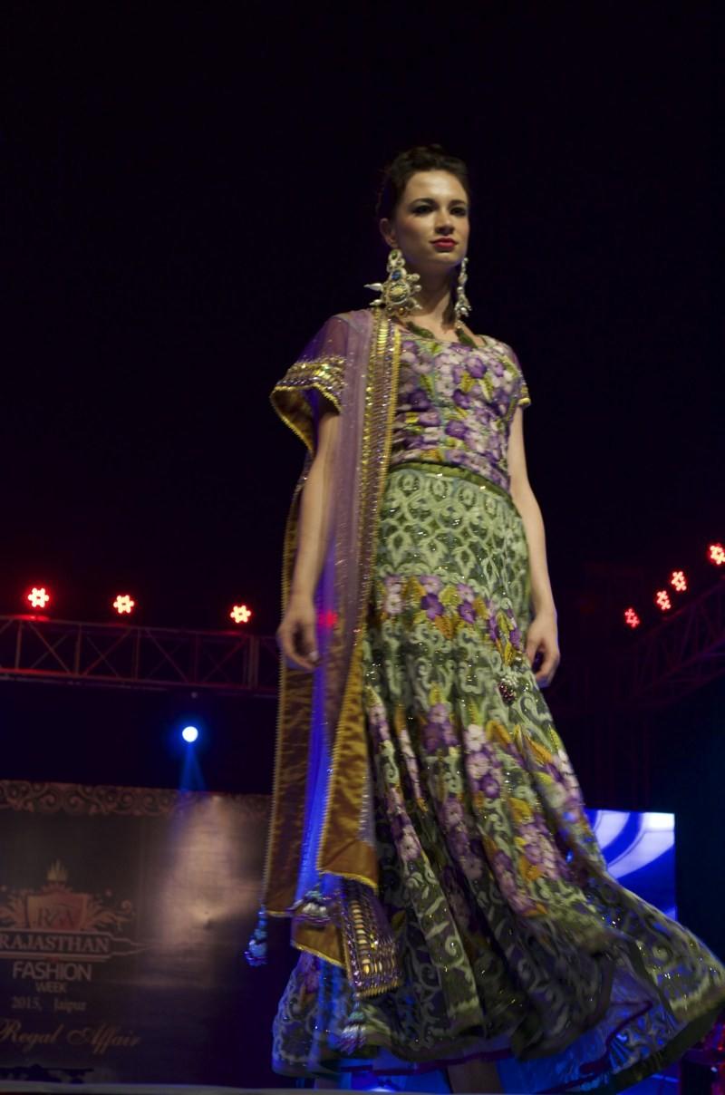 Neha Dhupia At Rajasthan Fashion Week 2015,Rajasthan Fashion Week 2015,Rajasthan Fashion Week,Neha Dhupia,actress Neha Dhupia,Neha Dhupia pics,Neha Dhupia images,Neha Dhupia photos,Neha Dhupia stills,Neha Dhupia latest pics,Neha Dhupia latest images,Neha
