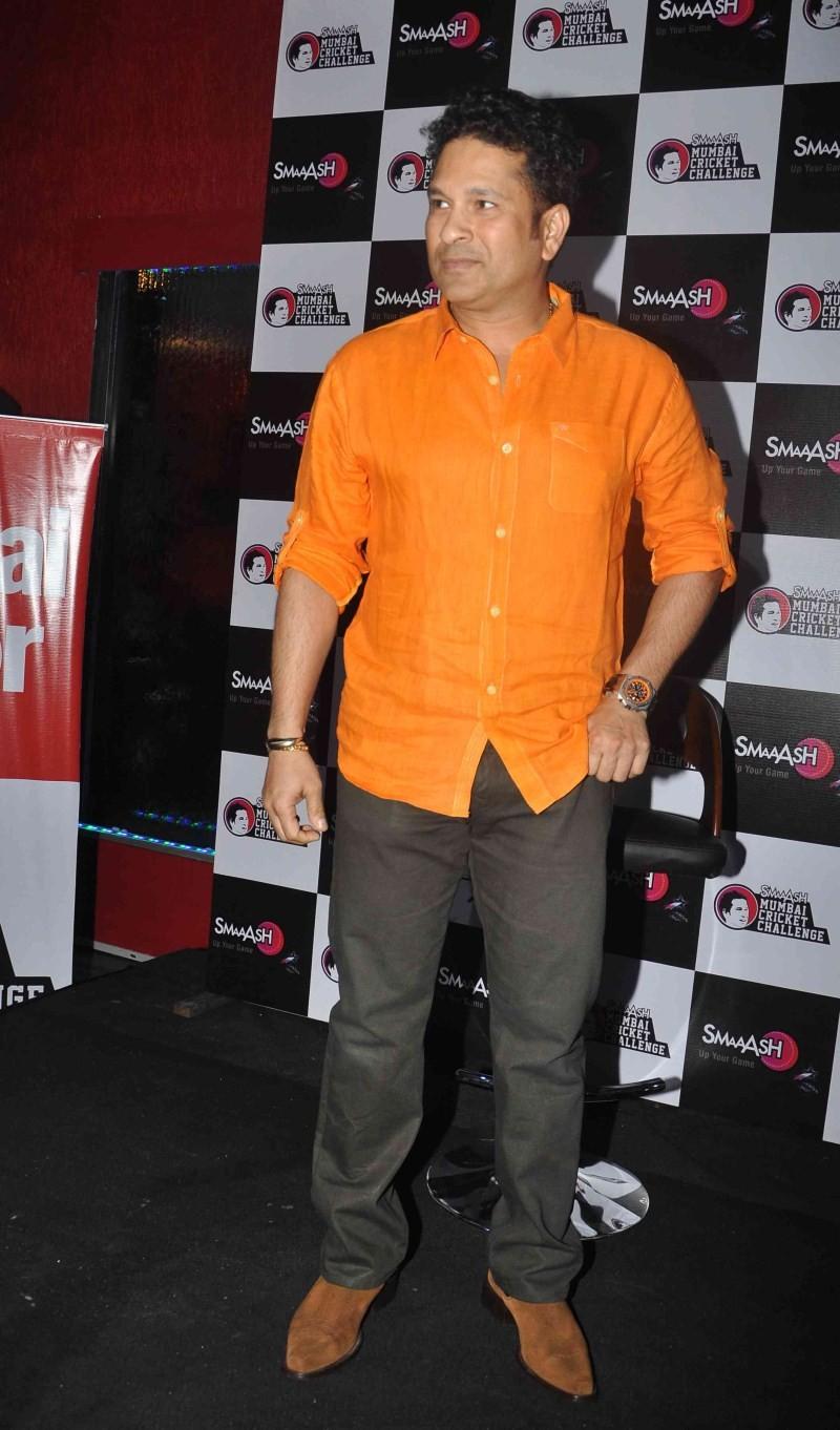 Sachin Tendulkar Felicitated Winners of 'SMAAASH MUMBAI CRICKET CHALLENGE'