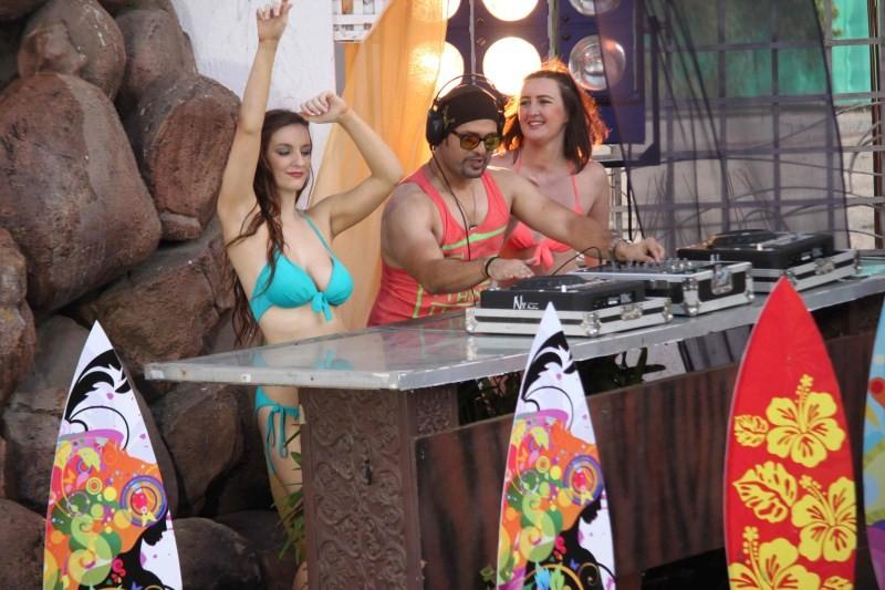 Rakhi Sawant,Party Punjabi style,bollywood movie Party Punjabi style,Rakhi Sawant on Location Song Shoot of Party Punjabi style,Rakhi Sawant Shoots for Party Punjabi style,Rakhi Sawant hot pics,Rakhi Sawant hot images,actress Rakhi Sawant,Rakhi Sawant pic