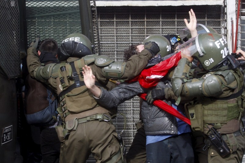 Chile's Students Protest,Students Protest,Violence mars Chilean student protests,Chile students,Chile Student Protests,Chile students protest over education,Clashes in Chile,Student Protests in Chile,Student Protests,Clashes,students Clashes
