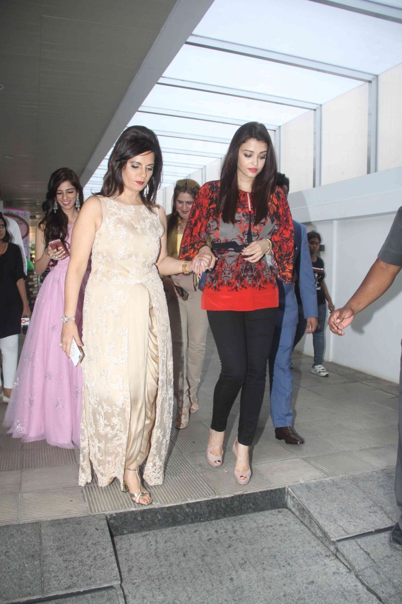 Aishwarya Rai Bachchan at Nishka Lulla's Wedding Bash,Aishwarya Rai Bachchan,Aishwarya Rai,Nishka Lulla's Wedding Bash,Nishka Lulla's Wedding Bash party,Aishwarya Rai Bachchan attends Nishka Lulla's wedding bash,actress Aishwarya Rai