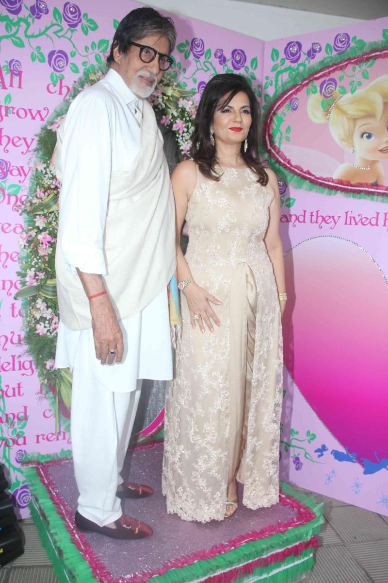 Amitabh Bachchan at Nishka Lulla's Wedding Brunch Party,Amitabh Bachchan at Nishka Lulla's Wedding party,Amitabh Bachchan at Nishka Lulla's Wedding,Amitabh Bachchan,actor Amitabh Bachchan,Amitabh Bachchan pics,Amitabh Bachchan images,Amitabh Bachchan phot