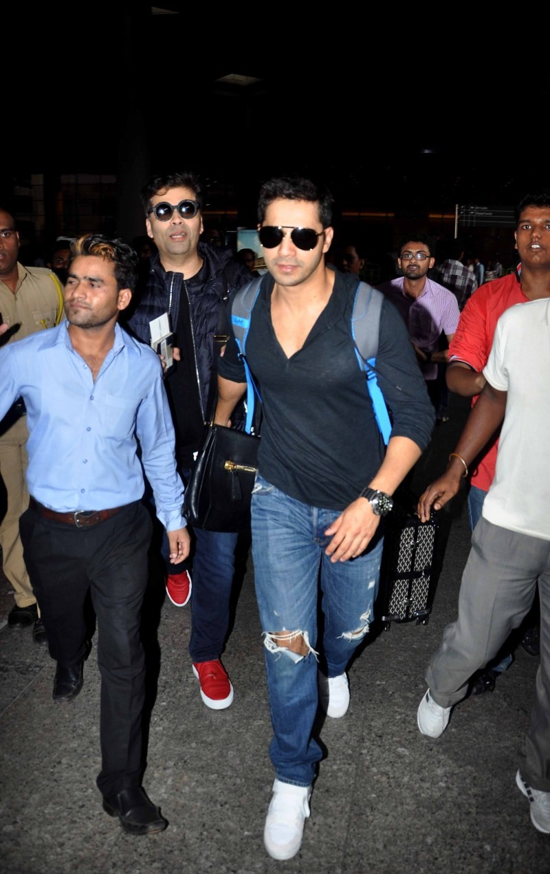 Salman Khan,Varun Dhawan and others snapped returning from AIBA,Salman Khan returning from AIBA,celebs returning from AIBA,Varun Dhawan snapped returning from AIBA,anushka sharma returning from AIBA,salman khan,actor Salman Khan,Salman Khan pics,Salman K