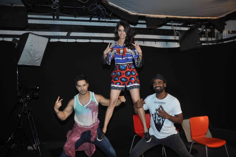 Varun Dhawan and Shraddha Kapoor promote ABCD 2 Movie